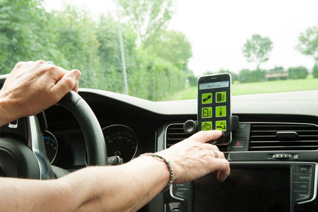 App aanklikken vanuit auto